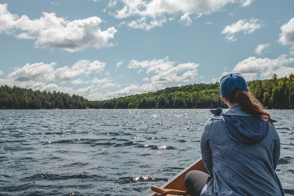 woman-on-canoe-relaxing