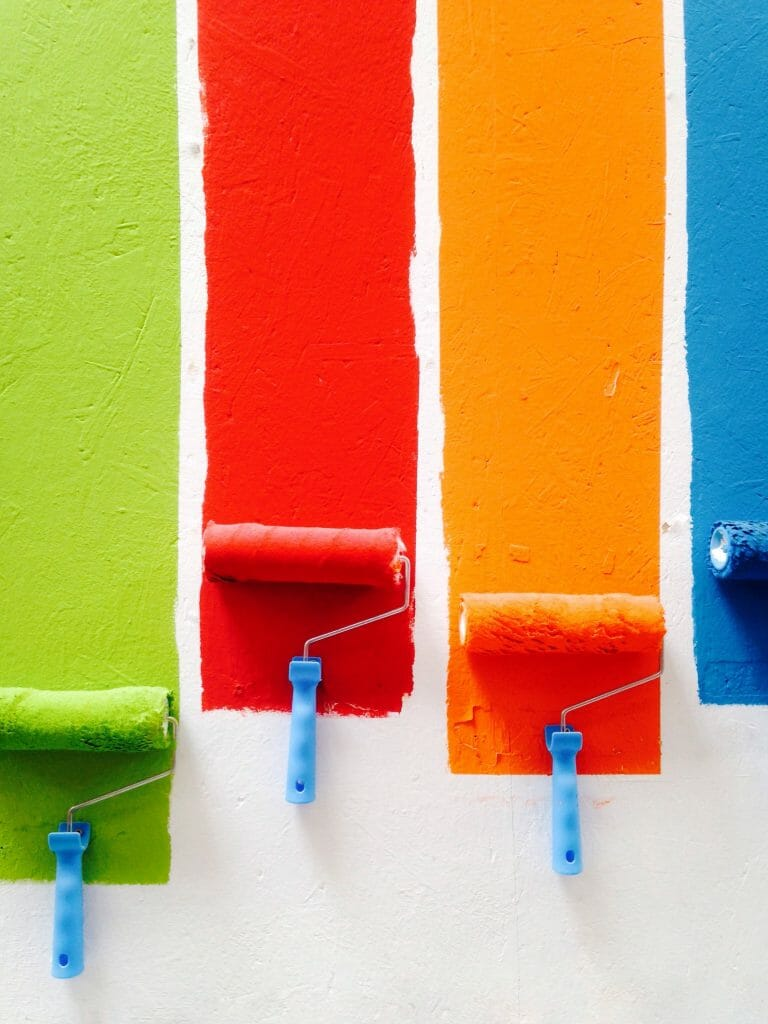 paint-the-wall-when-bored